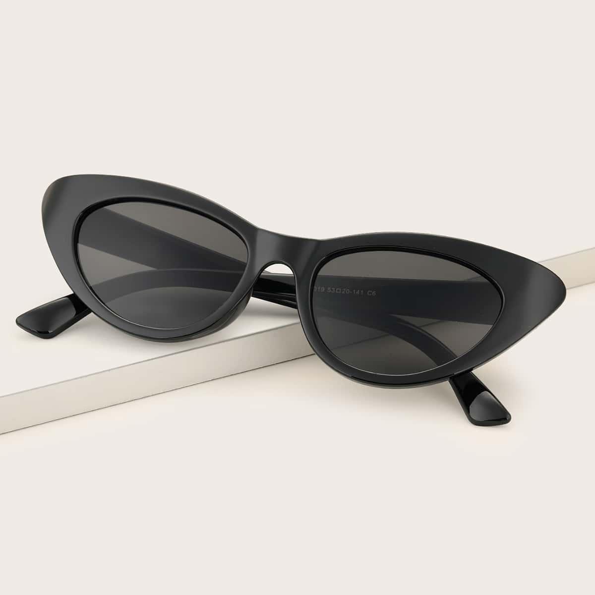 Солнечные очки в форме кошачьего глаза