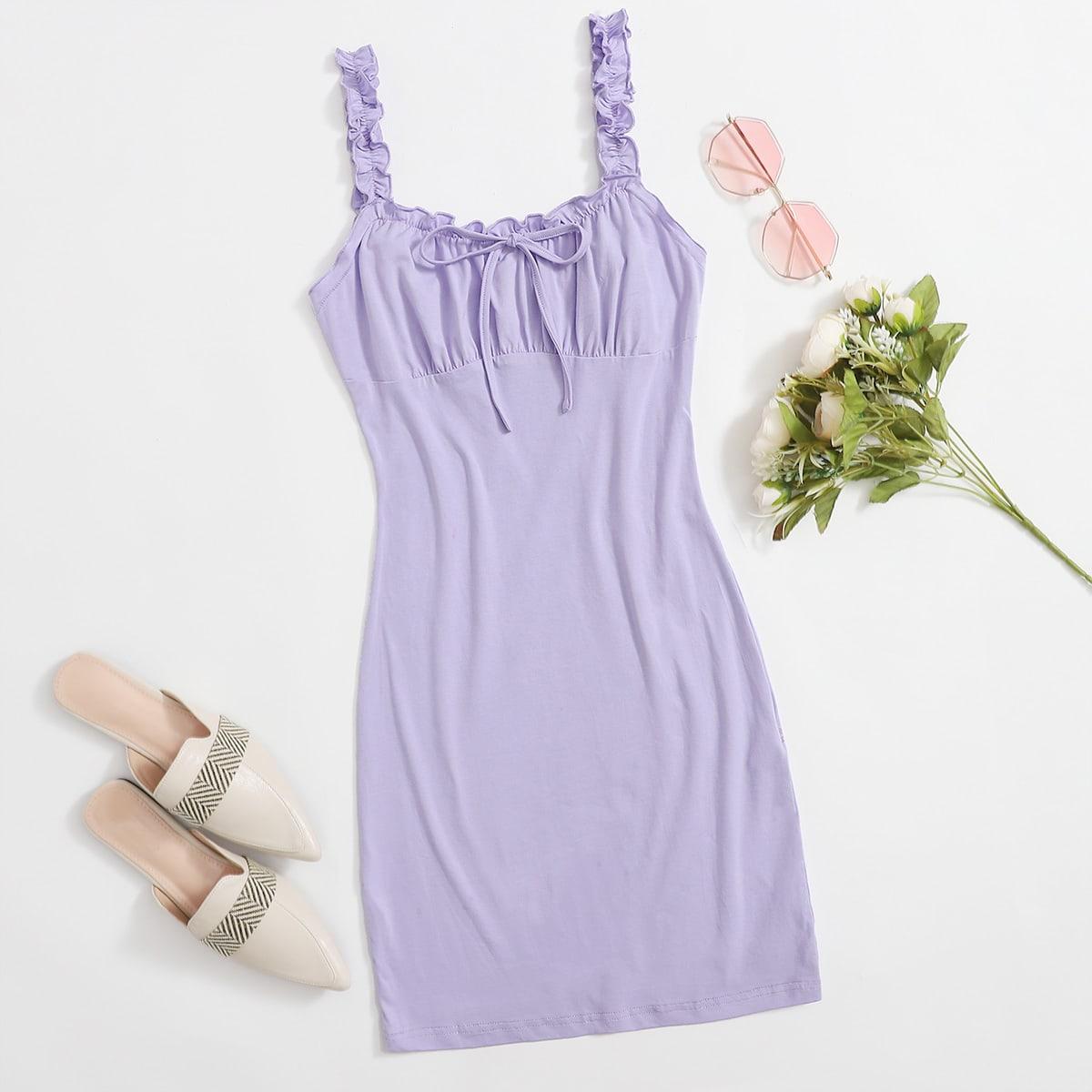 Платье со сборками и узлом