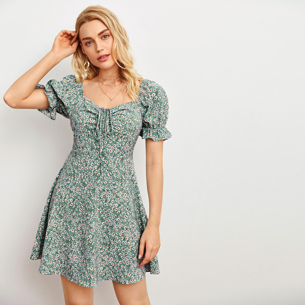 Платье с цветочным принтом и пышным рукавом на кулиске
