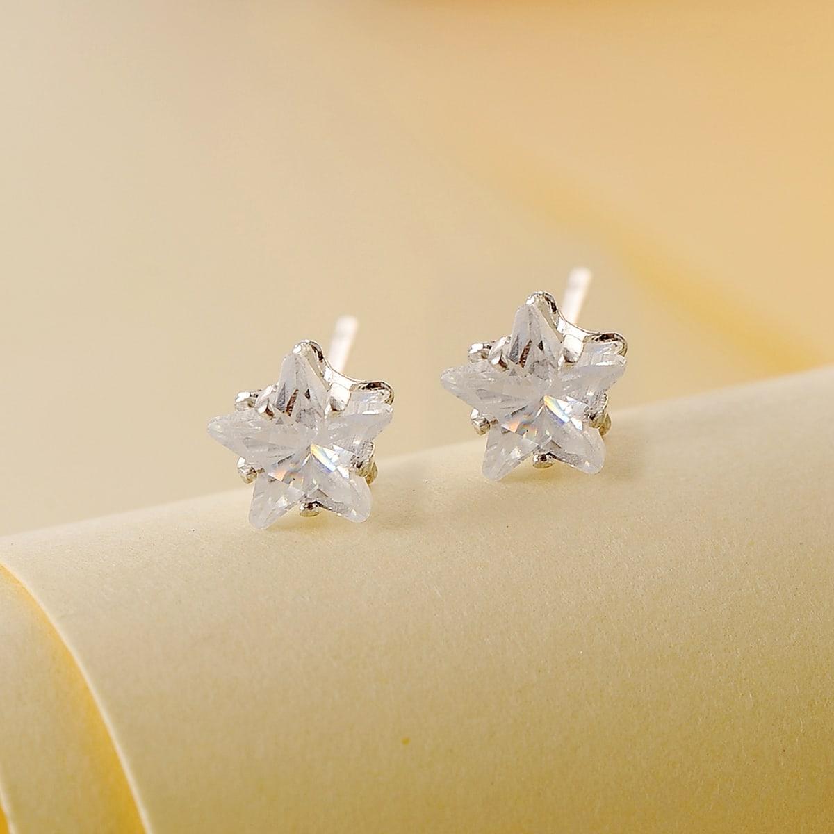 Серьги-гвоздики в форме звезды со стразами