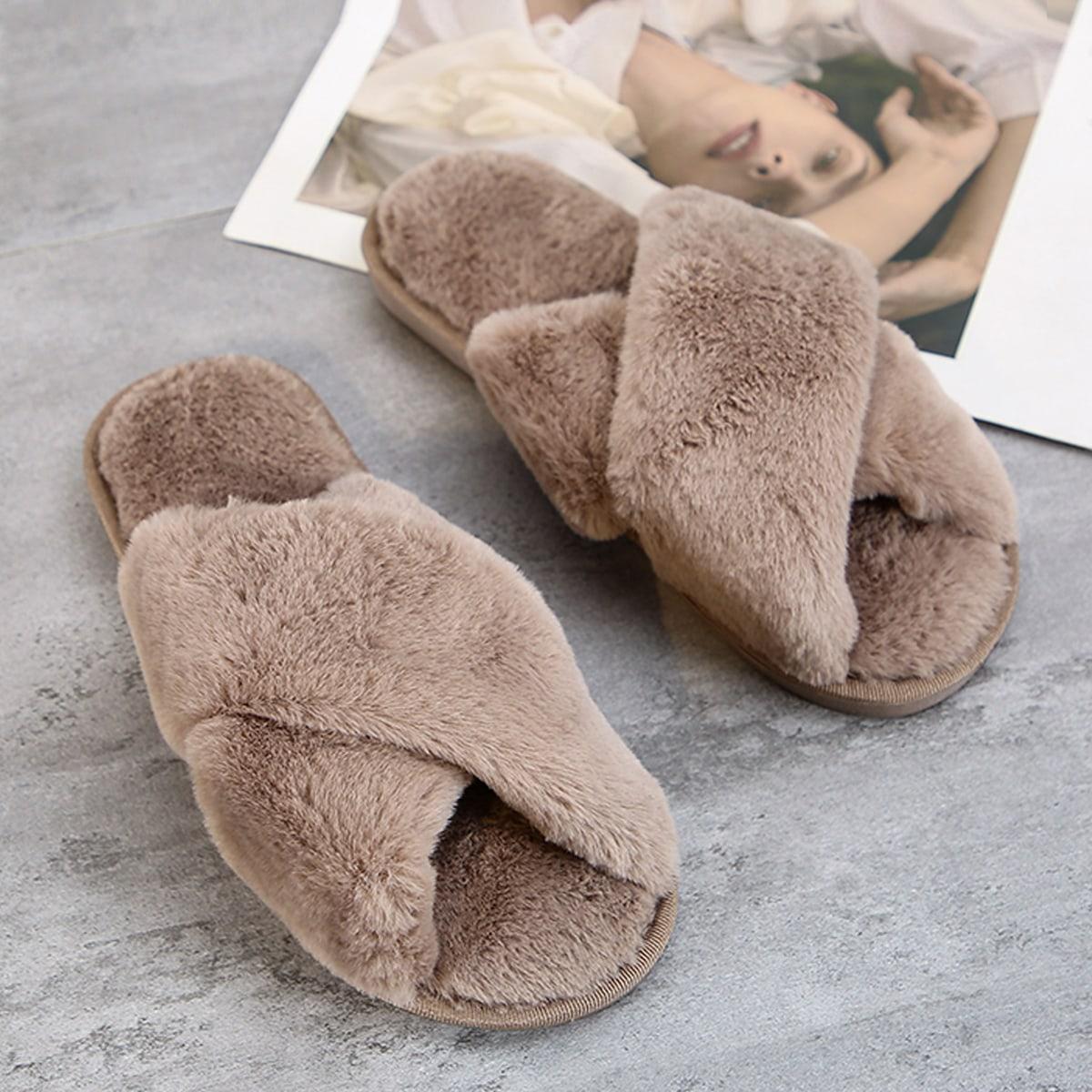 Плюшевые шлепанцы с открытым носком от SHEIN