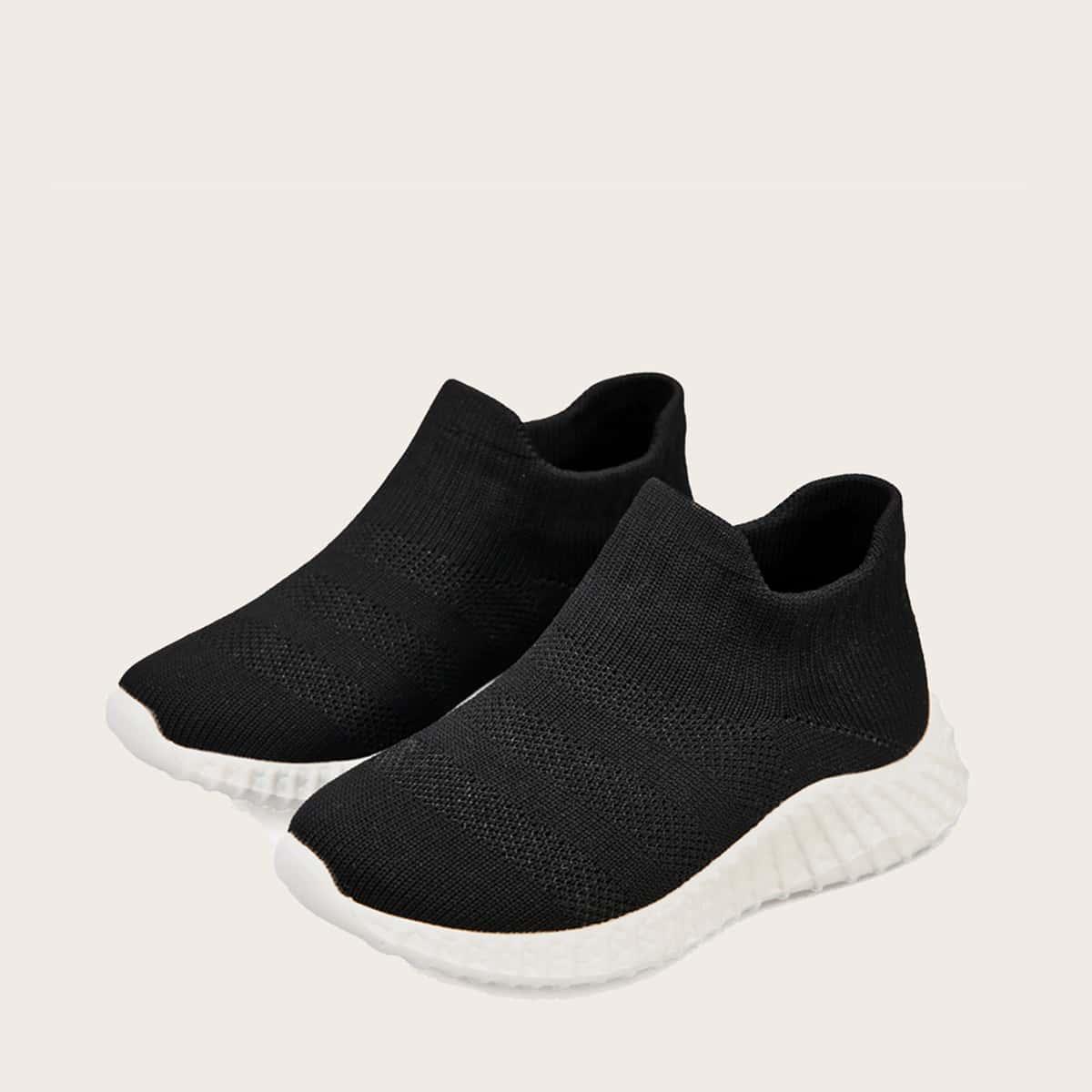 Минималистичные трикотажные кроссовки для мальчиков от SHEIN