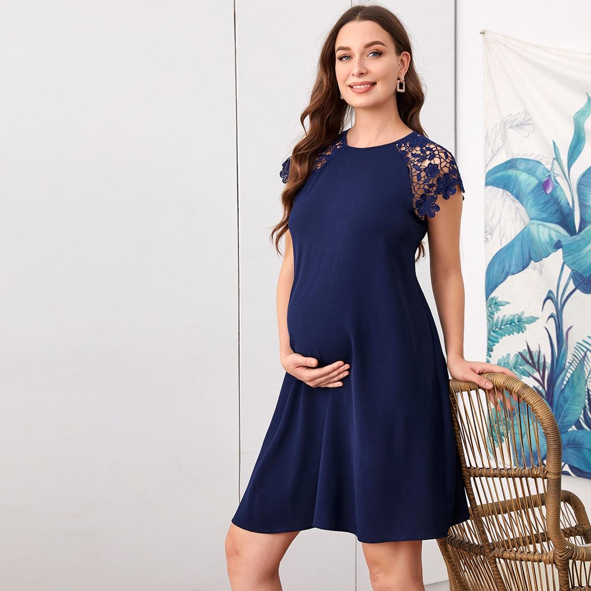 Платье для беременных с кружевным рукавом