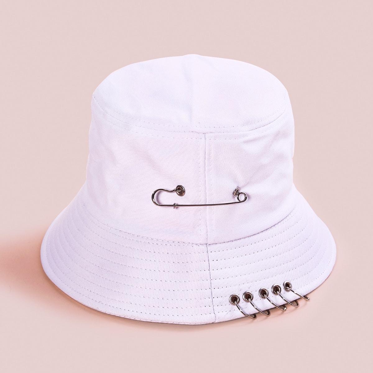 Шляпа с круглым декором