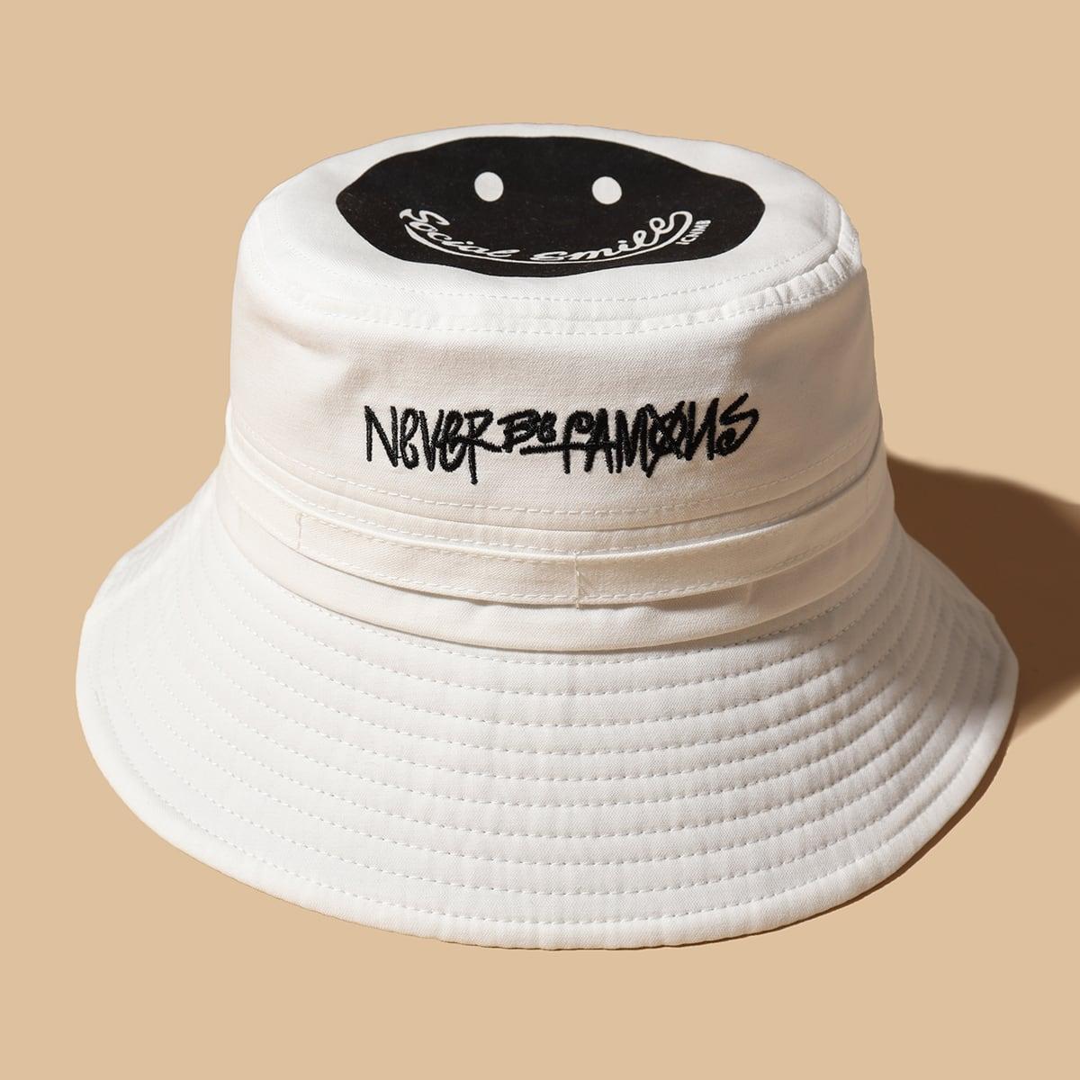 Шляпа с мультипликационной вышивкой
