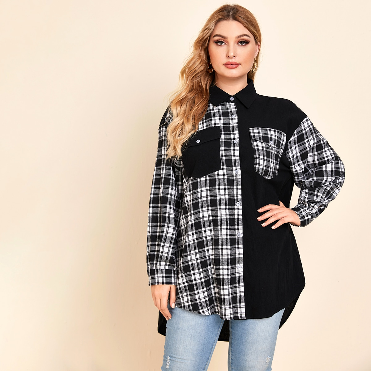 Асимметричная блузка размера плюс с карманом