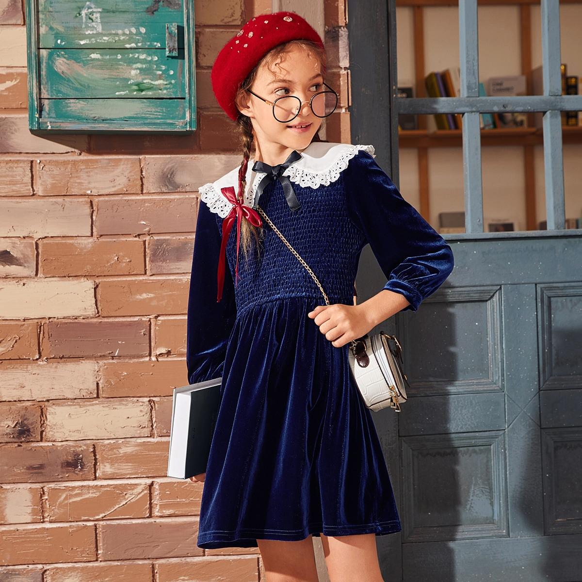 Бархатное платье с оригинальным воротником для девочек
