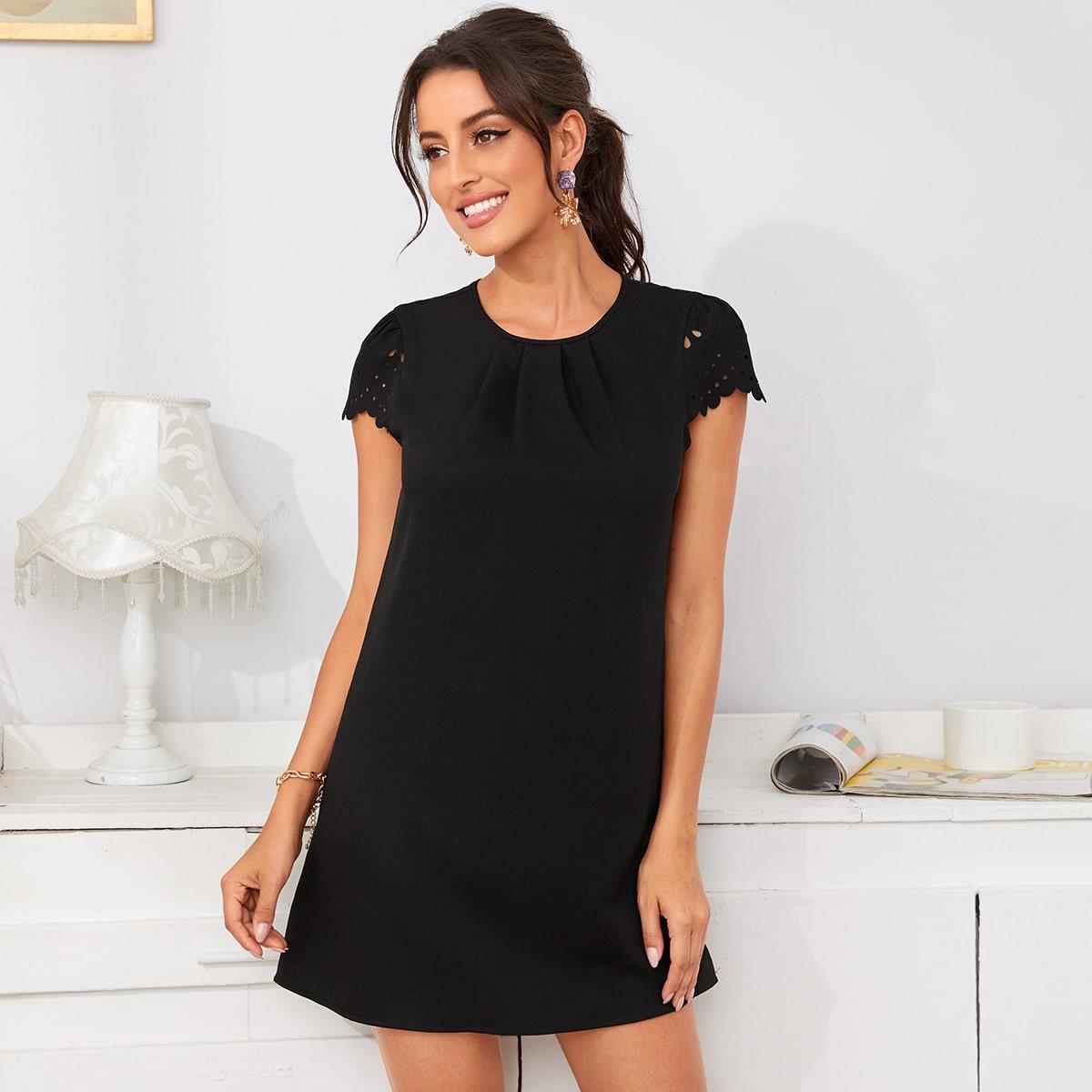 Однотонное платье с застежкой сзади