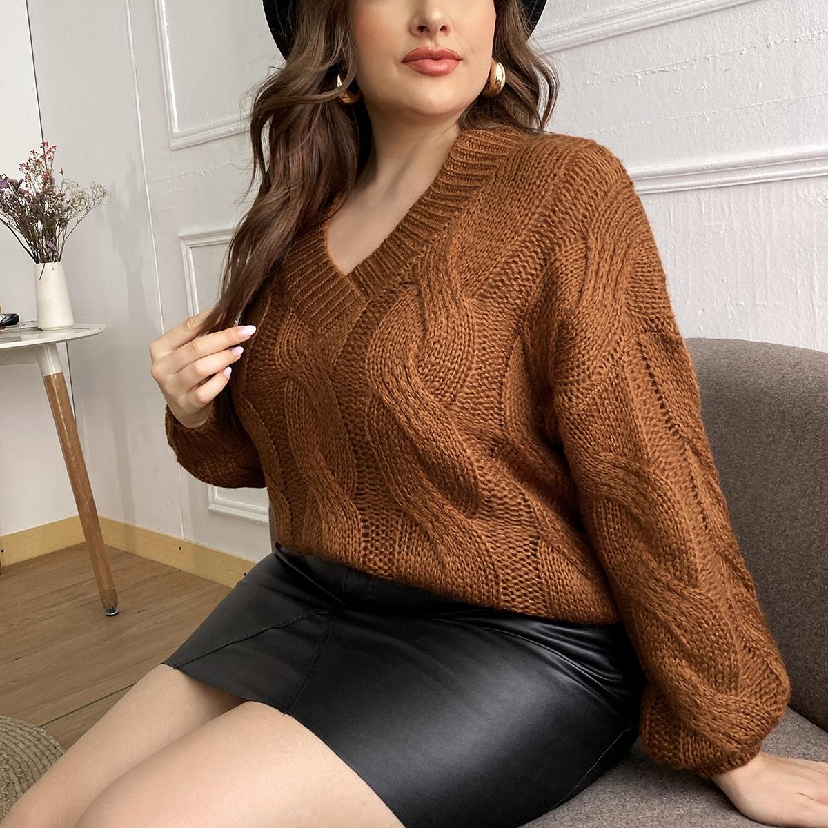 Трикотажный свитер размера плюс