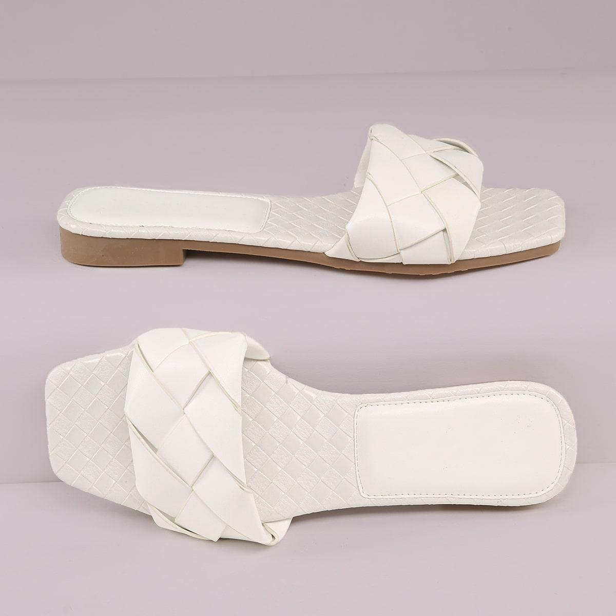 Квадратные плетеные сандалии