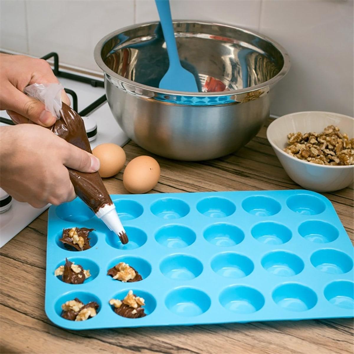 1pc Multi-grid Random Baking Mold, SHEIN  - buy with discount