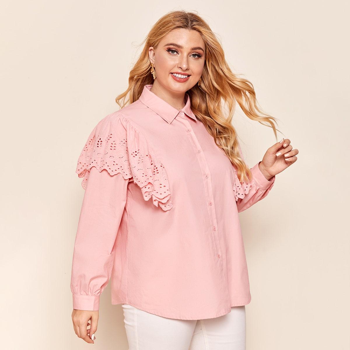 Однотонная блузка размера плюс с оборкой