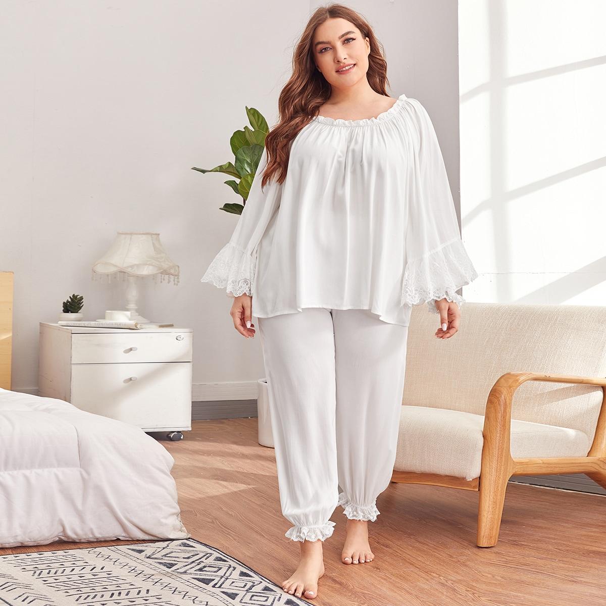 Пижама размера плюс с вышивкой и оборками