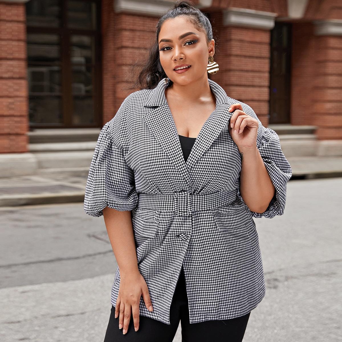 Пиджак размера плюс с узором хаундстута и поясом