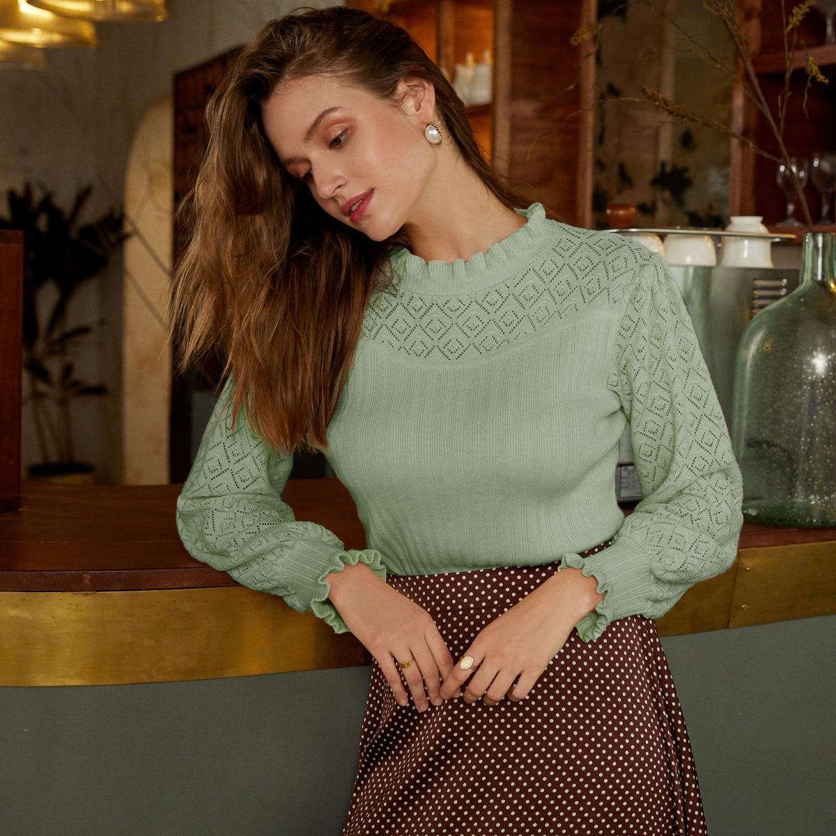 Вязаный свитер с воротником-стойкой