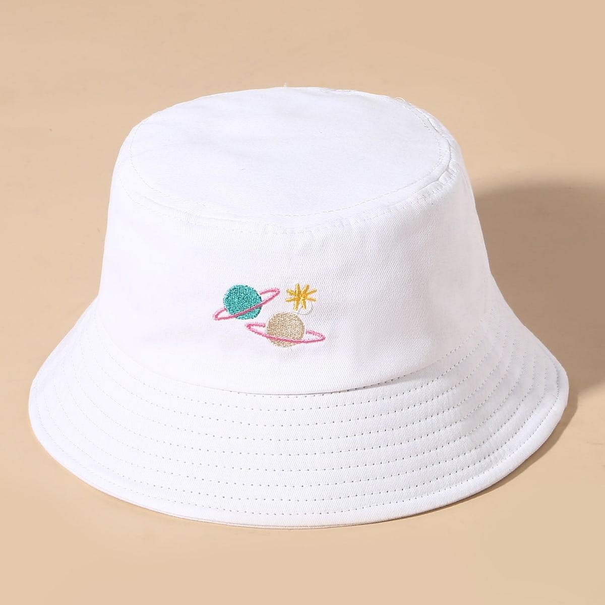 Шляпа с вышивкой планеты