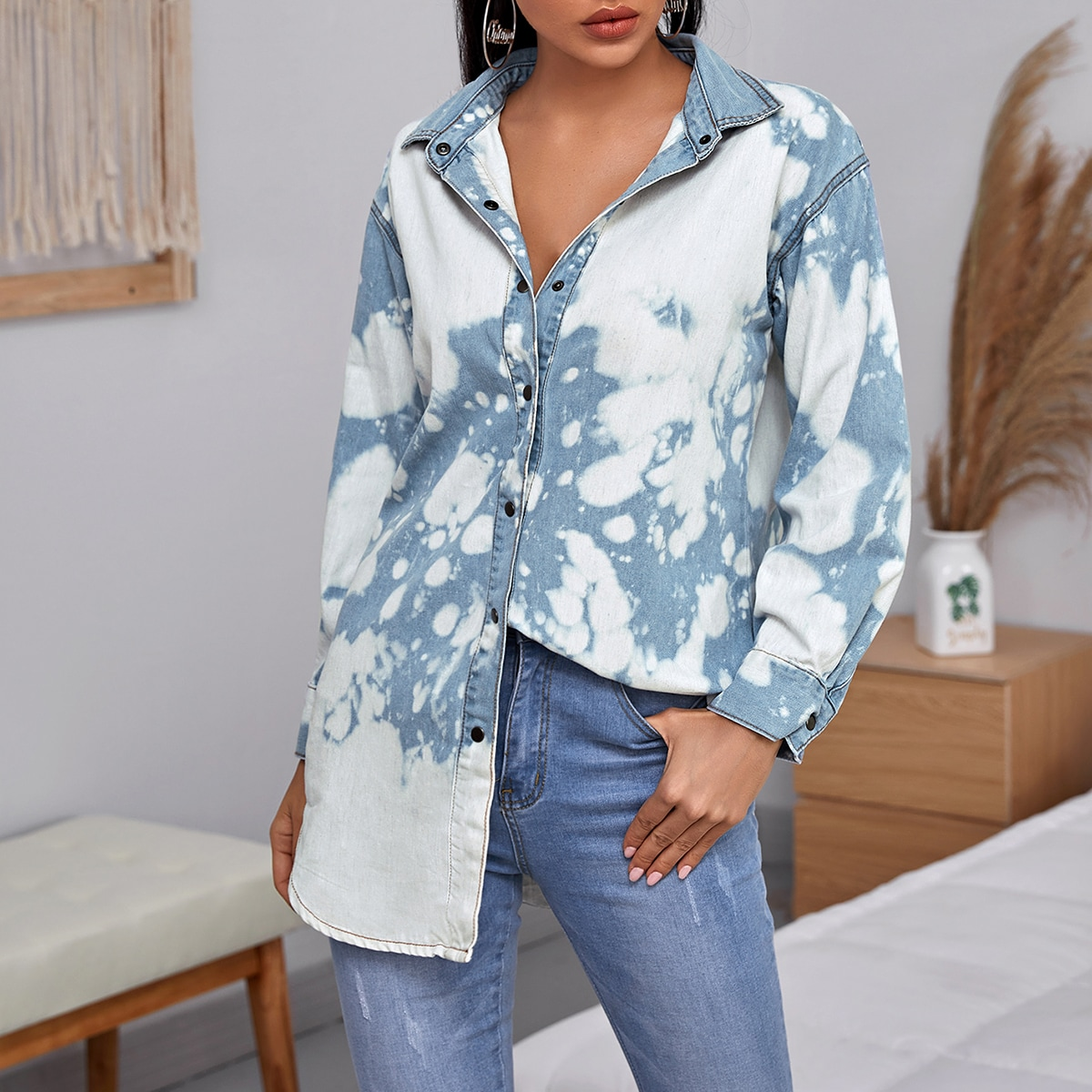Разноцветная джинсовая куртка