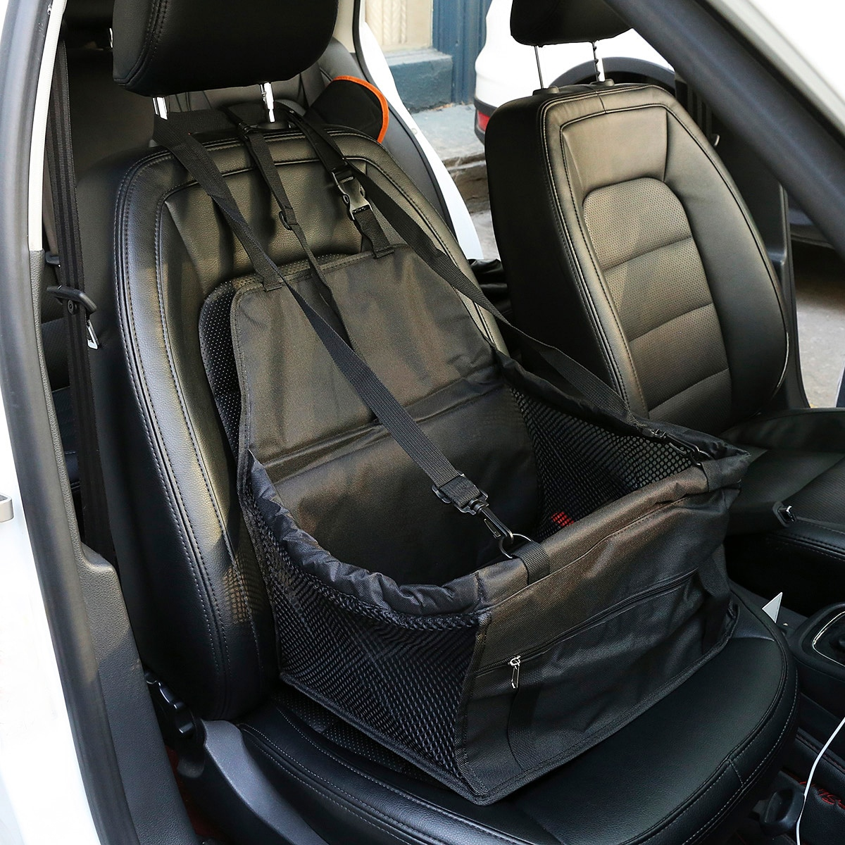 1 Stück Hundeträgerkorb auf Autositz mit Kontrast Netzstoff