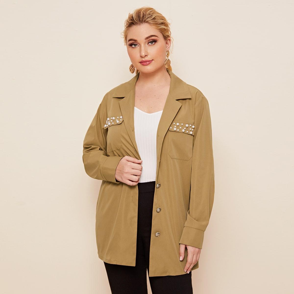 Пальто с карманом и жемчугом размера плюс