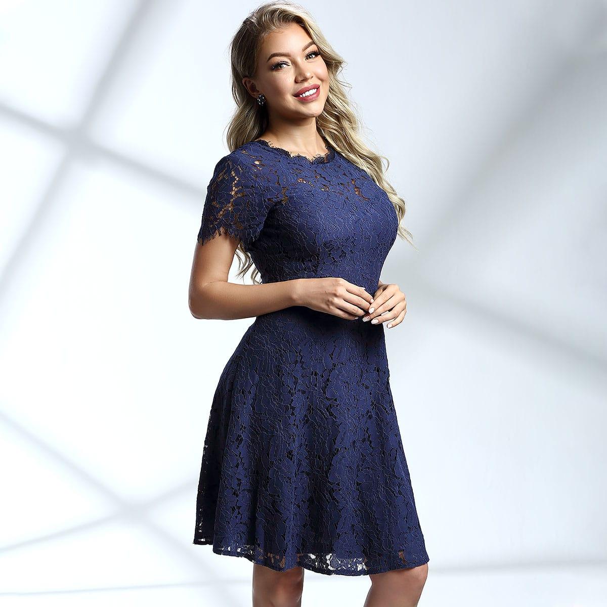 кружевное платье с молнией сзади