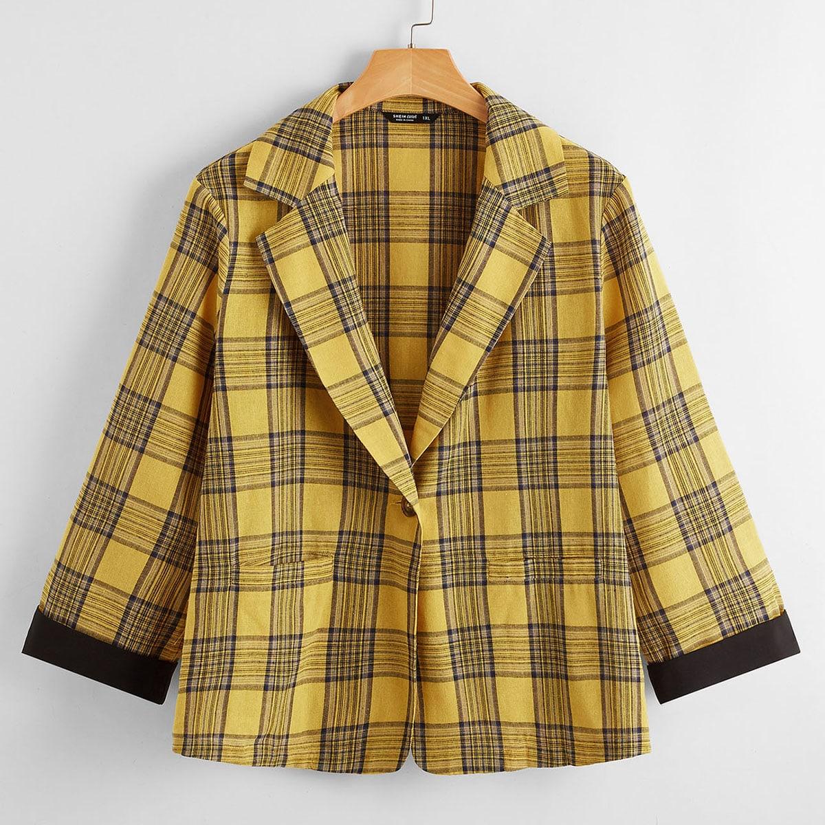 Пиджак размера плюс в клетку с карманом и лацканом