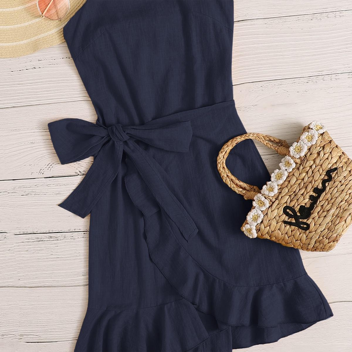 Платье на бретелях с оборкой и открытой спиной