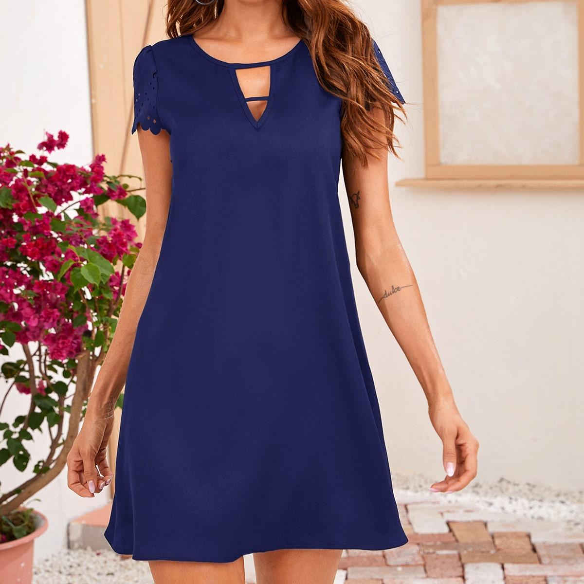 Оригинальное платье с фестончатой отделкой