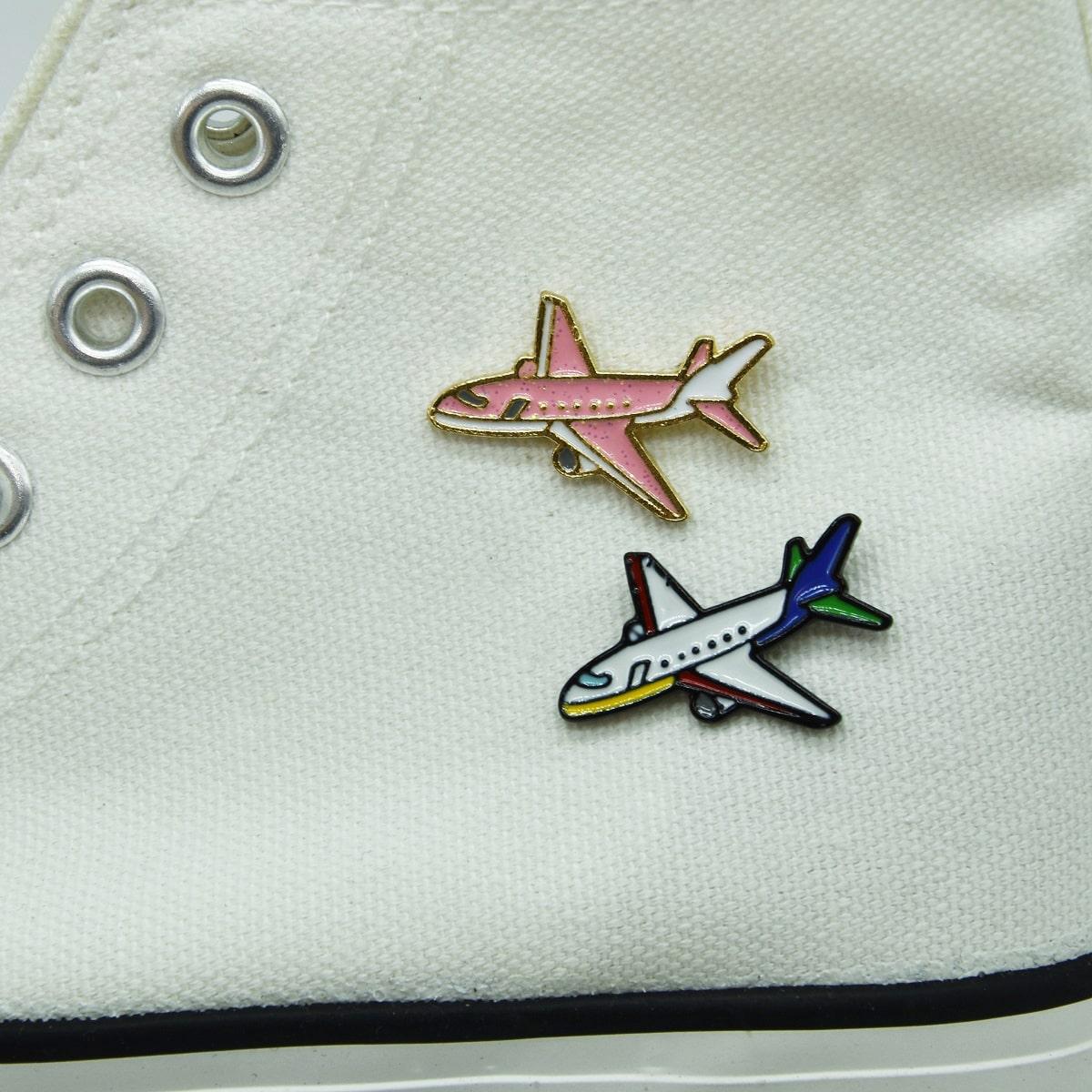 2 Stücke Brosche mit Flugzeug Dekor