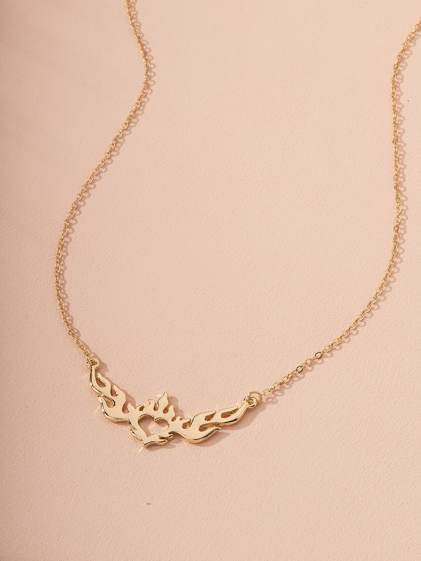 Flame Heart Design Charm Necklace thumbnail