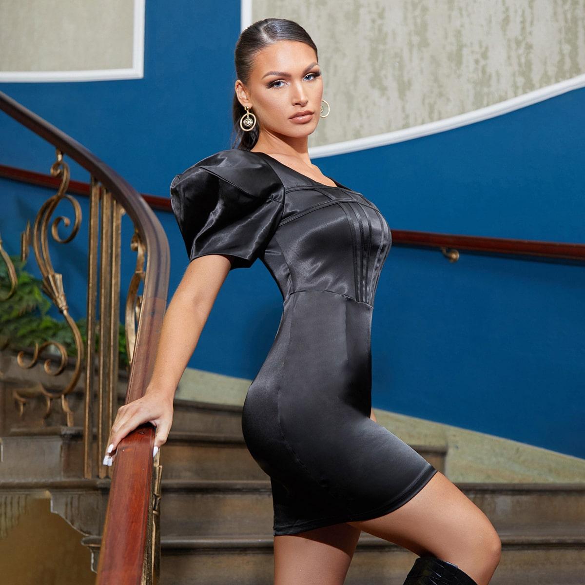 Атласное платье с пышным рукавом