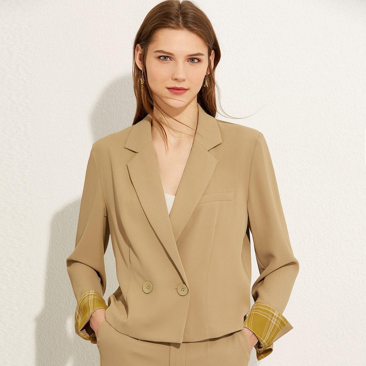 пиджак с пуговицами