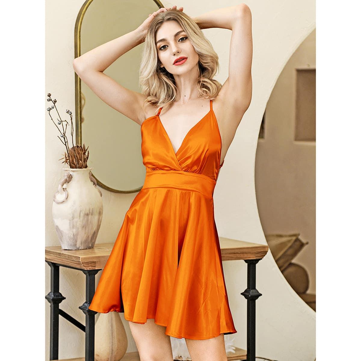 HouseOfChic неоновое оранжевое атласное платье на бретелях с открытой спиной