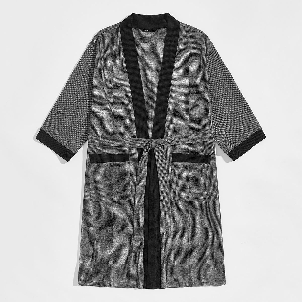 Мужской халат с поясом и карманом