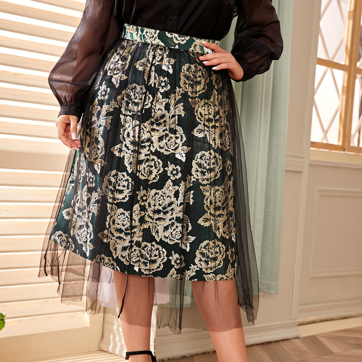 Сетчатая расклешенная юбка размера плюс с цветочной вышивкой
