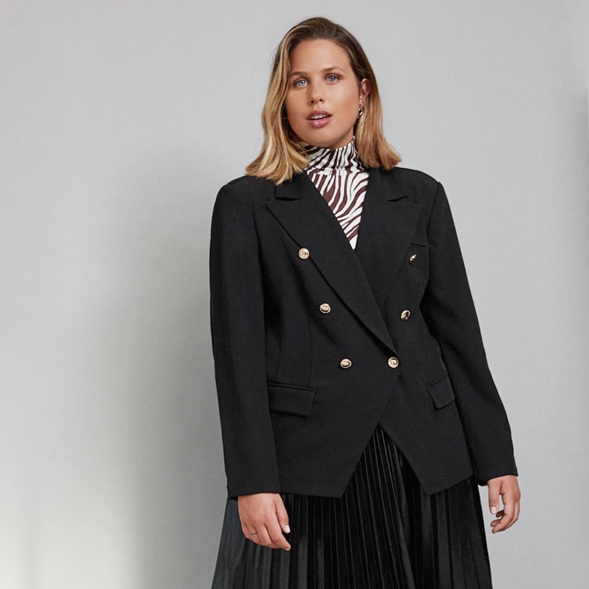Асимметричный пиджак с пуговицами размера плюс