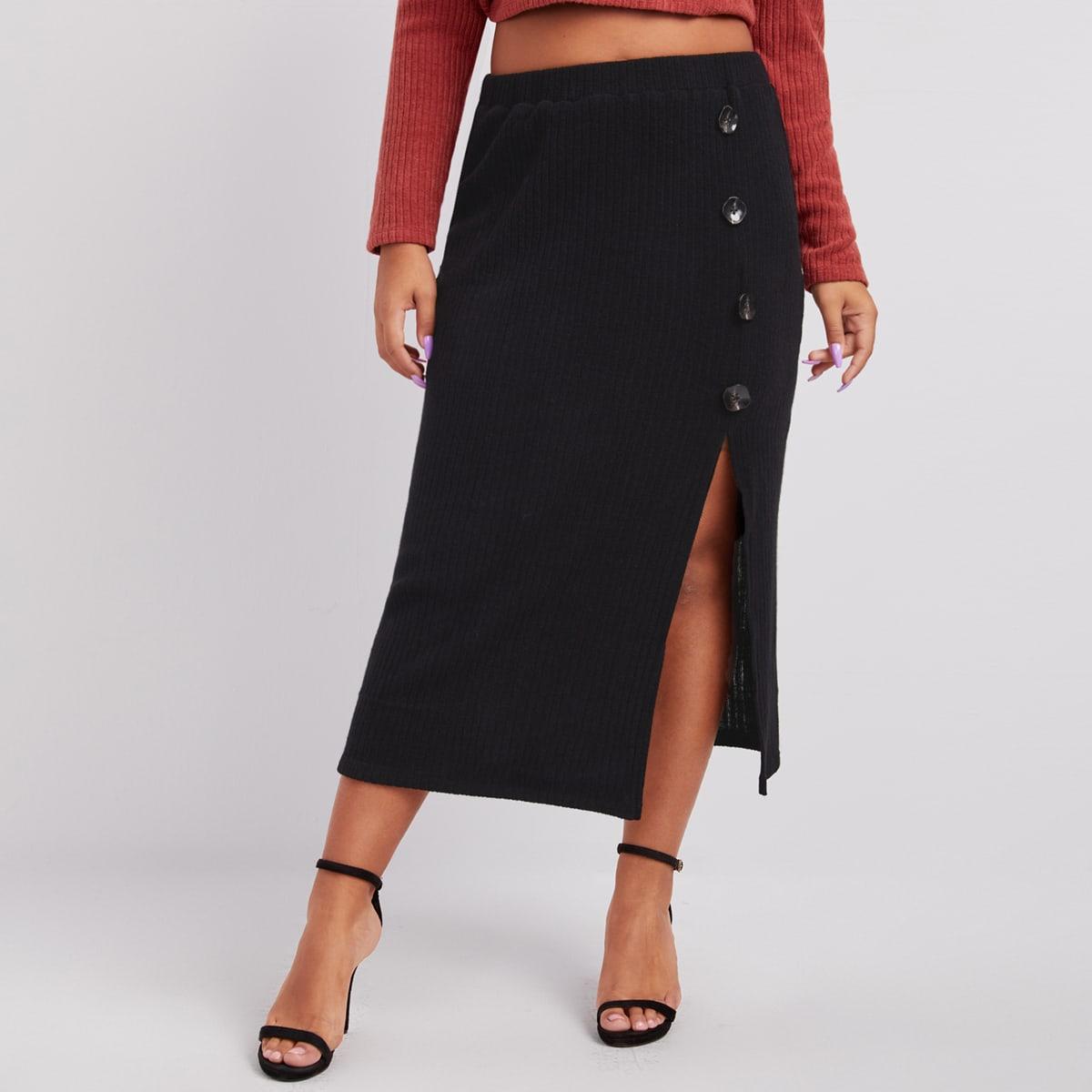 Вязаная юбка размера плюс с разрезом и пуговицами
