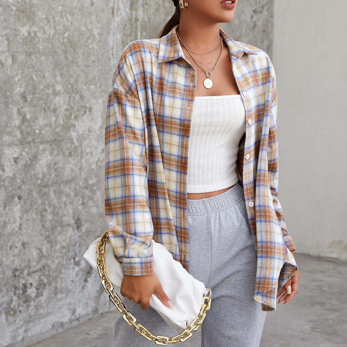 Блуза в клетку со спущенным рукавом размера плюс