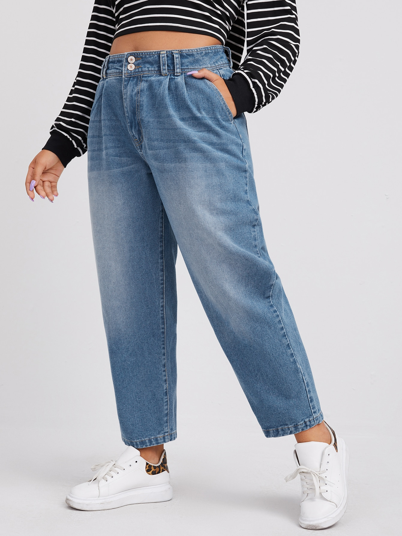 Plus Bleach Wash Fold Pleat Jeans thumbnail