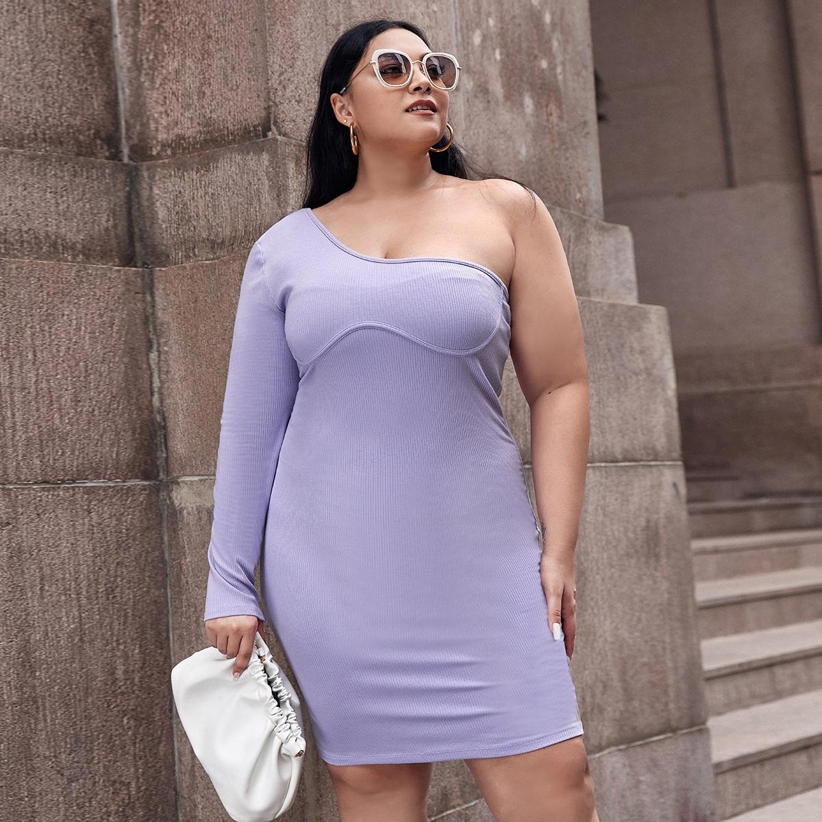 Облегающее платье размера плюс на одно плечо