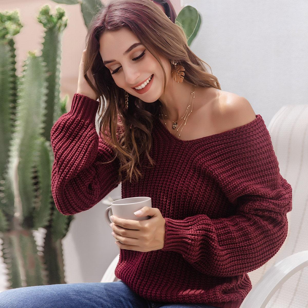 Трикотажный свитер с v-образным воротником