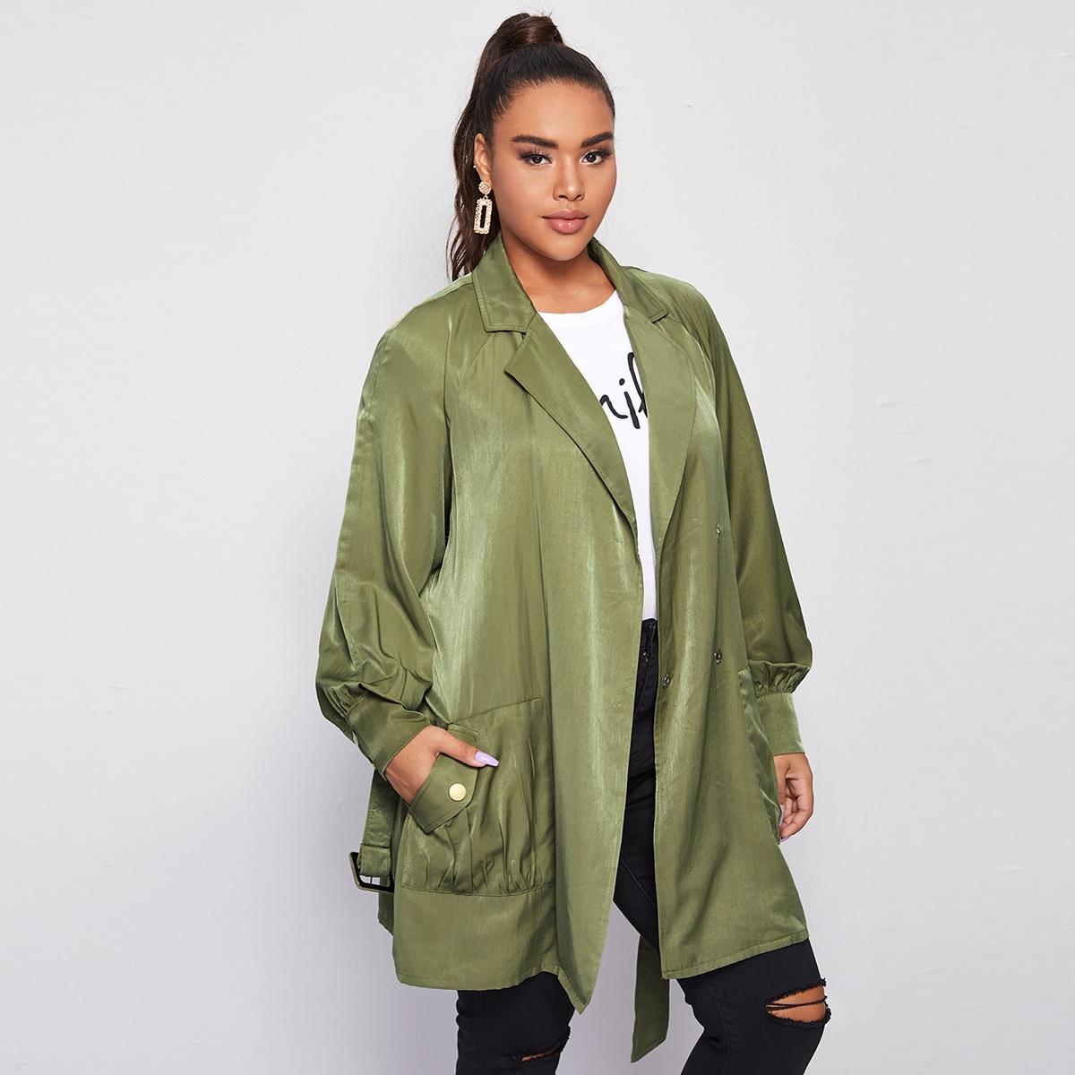 Пальто размера плюс с поясом и карманом