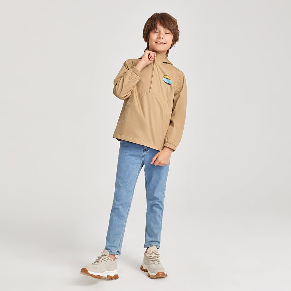 Куртка-ветровка с капюшоном и текстовым принтом для мальчиков