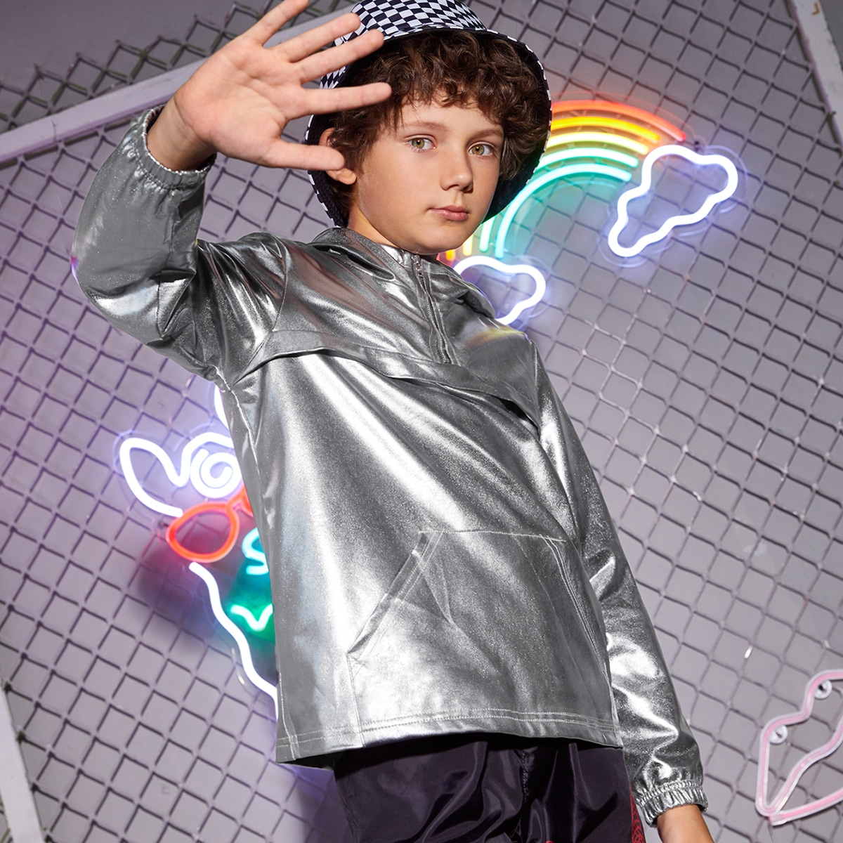 Куртка с молнией и карманом для мальчиков