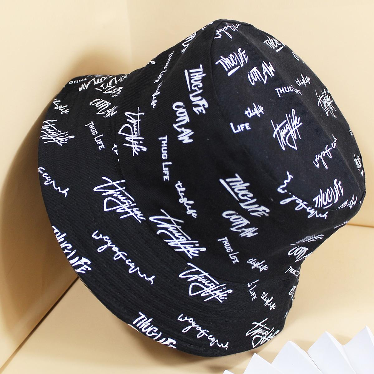 Двусторонняя шляпа-ведро с текстовым узором