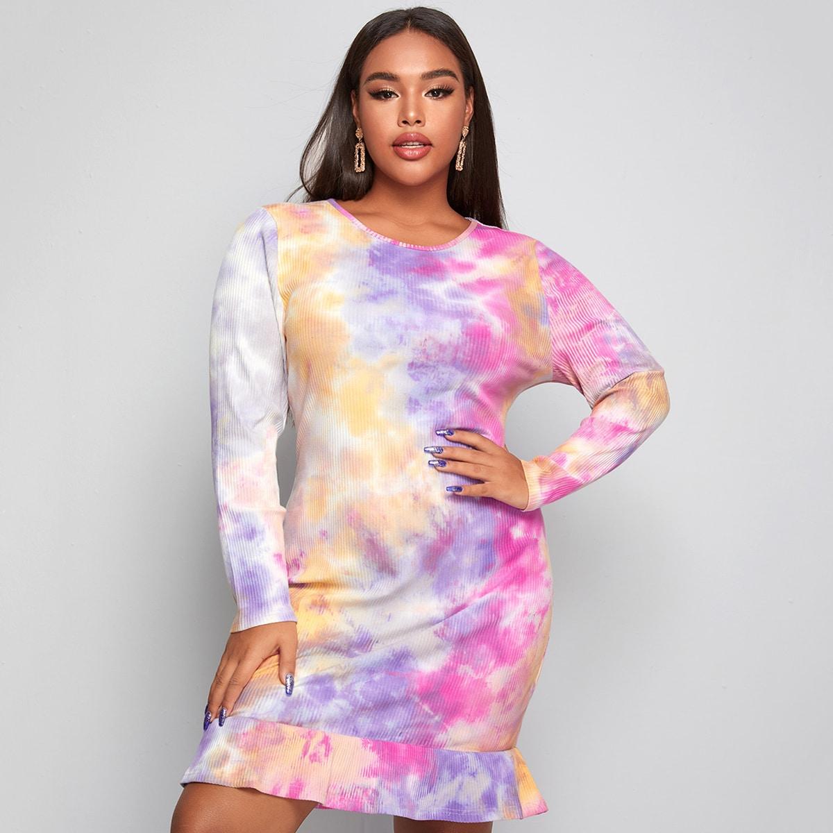 Трикотажное разноцветное платье размера плюс