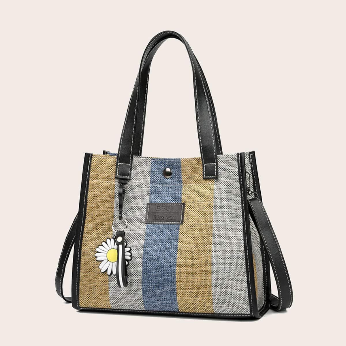 Контрастная сумка-тоут с цветочным принтом