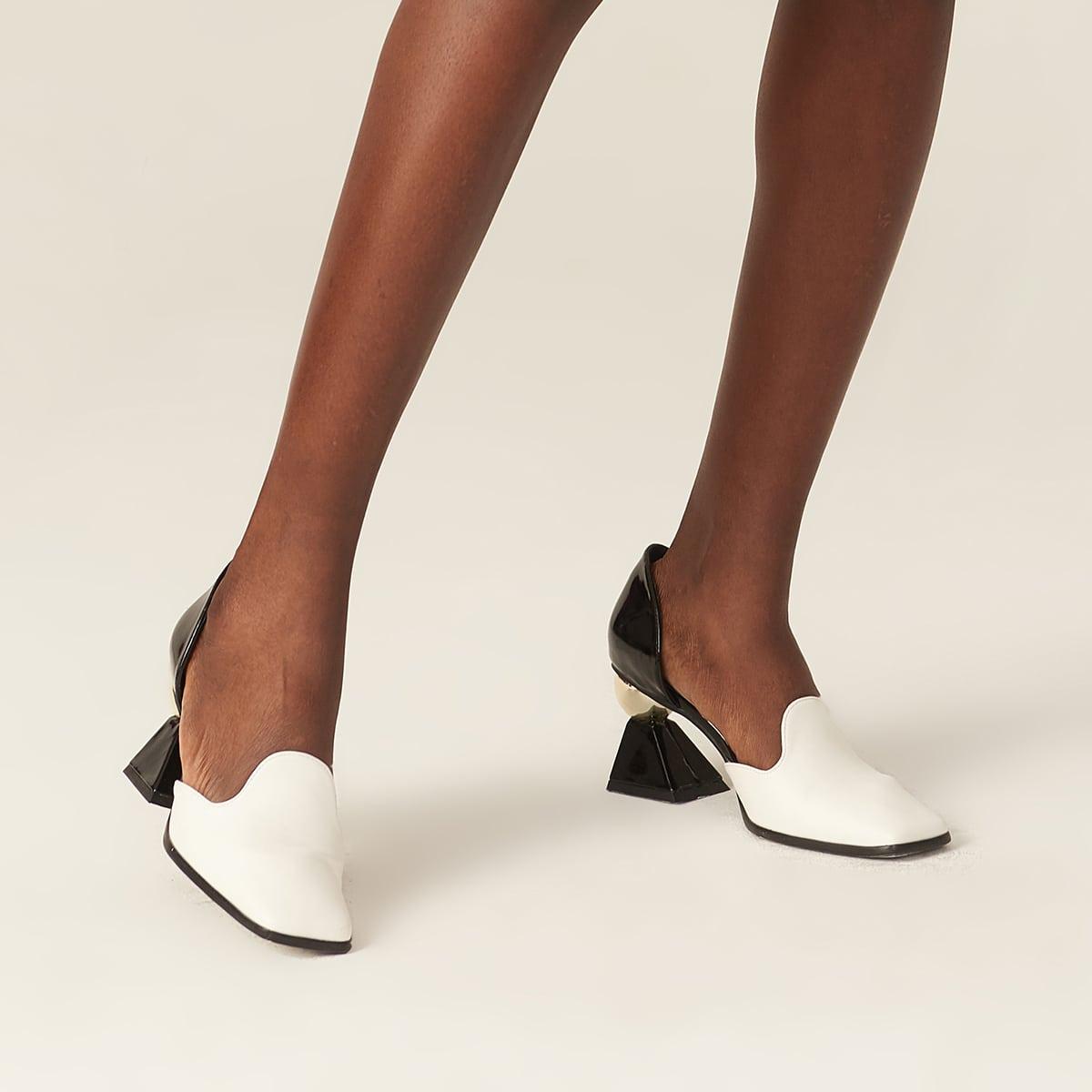 Двухцветные туфли на каблуке