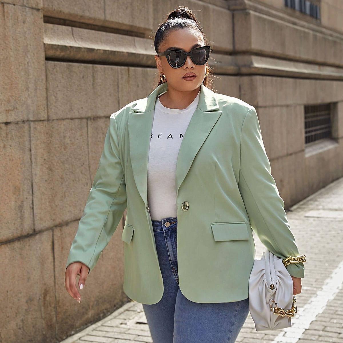 Пиджак размера плюс с разрезом