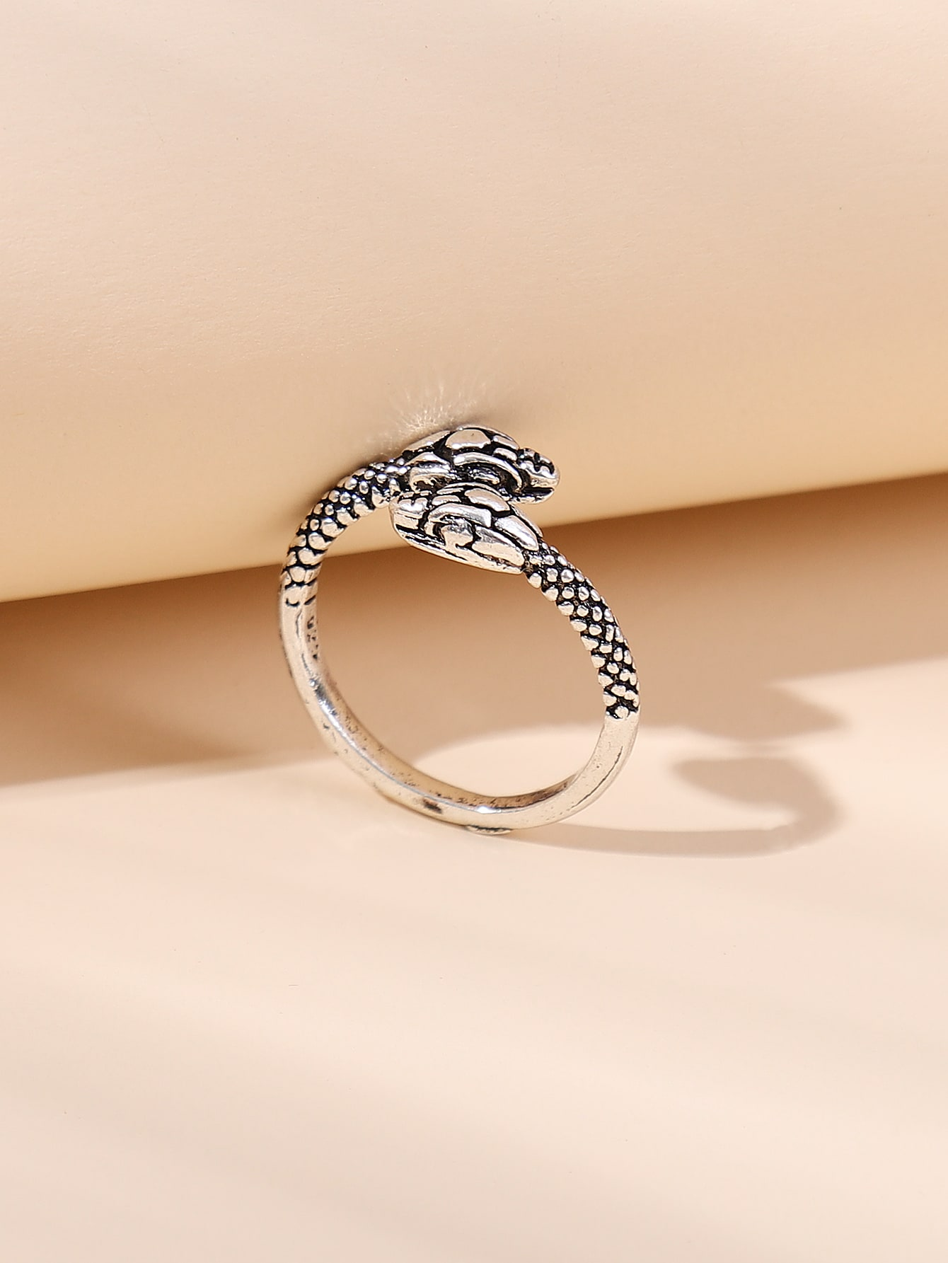 Snake Design Ring thumbnail