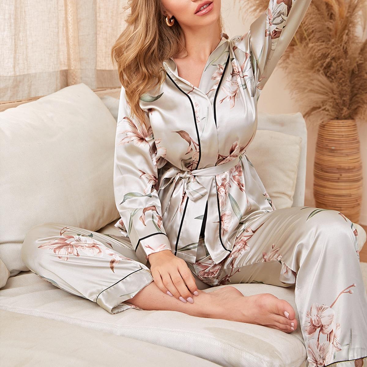 Атласная пижама с цветочным принтом